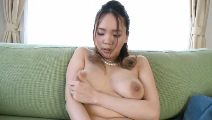 Yuna nanjyou. Yuna Nanjyou Asian gives blowjob and plays with